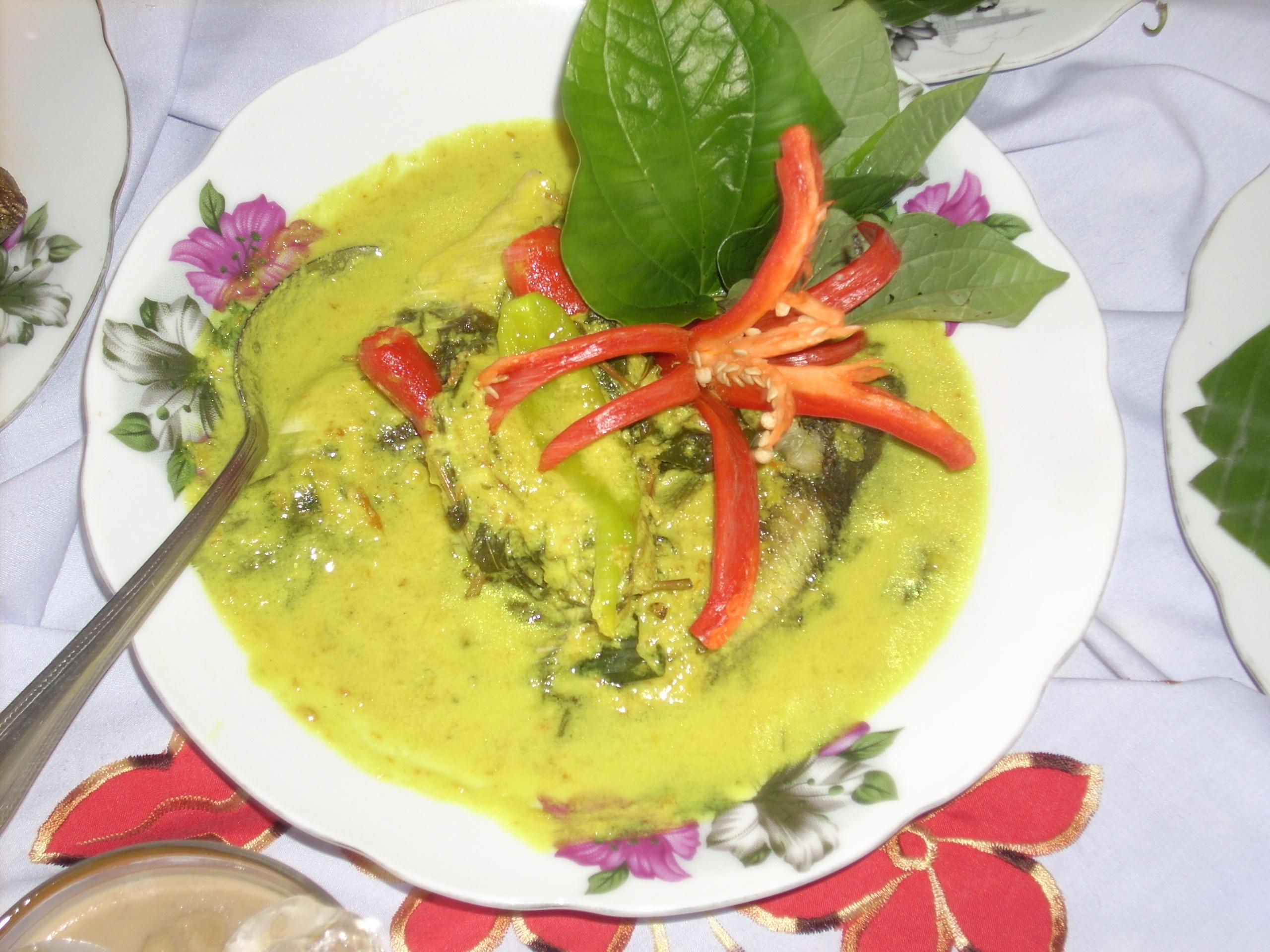 Kelazatan hidangan ala-Kelantan di Wakaf Che Yeh