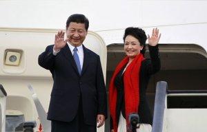 Presiden China Xi Jinping dan istrinya, Peng Liyuan.