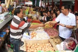 Menteri Perdagangan, Gita Wirjawan, usai meresmikan Pasar Bekonang di Sukoharjo