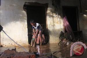 ilustrasi Banjir Bandang Malang