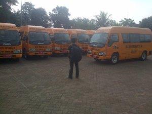 BUS SEKOLAH - Sejumlah bus sekolah yang baru dibeli Pemerintah Provinsi DKI Jakarta