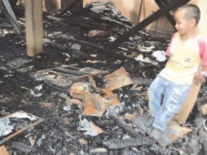 Kediaman Azilah musnah terbakar