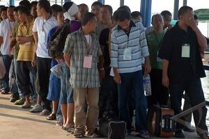 ilustrasi Sejumlah Tenaga Kerja Indonesia (TKI) ilegal yang dideportasi dari Malaysia