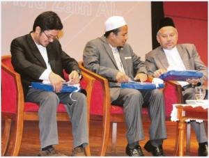 Dari kiri, Mohd Hamidi, Zamihan serta Mohd Fauzi