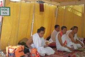 Jamaah haji Indonesia sedang wukuf di Arafah