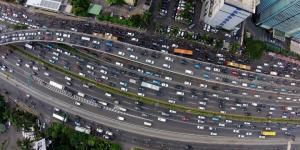 Kemacetan pada jam pulang kerja di Jalan Gatot Subroto, Kamis (24/7/2014)