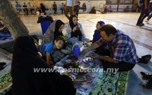 SAAT-SAAT berbuka bersama keluarga pasti menjadi kenangan indah apabila Ramadan berakhir