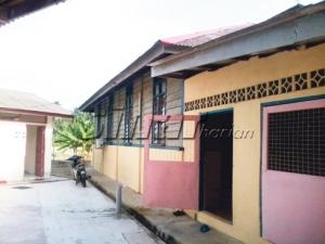 Masjid ini masih dalam binaan papan dan ingin dinaiktarafkan untuk keselesaan jemaah.