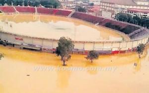 KEADAAN padang di Stadium Sultan Muhammad IV di Kota Bharu dijangka pulih sepenuhnya dalam masa dua hingga tiga minggu selepas dilanda banjir.