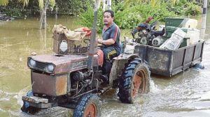 ADAM memindahkan barangan berharga termasuk jentera ladang.